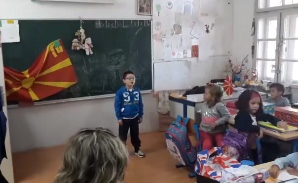 Ја сакам оваа напатена земја: Малиот Омер Емрах со песничка на сите им покажа како се сака Македонијa