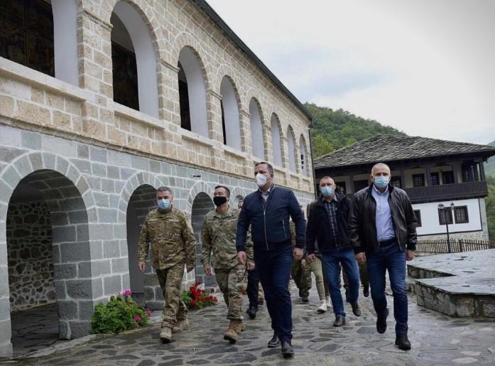 Спасовски бил во посета на Манастирот Св. Јоаким Бигорски!