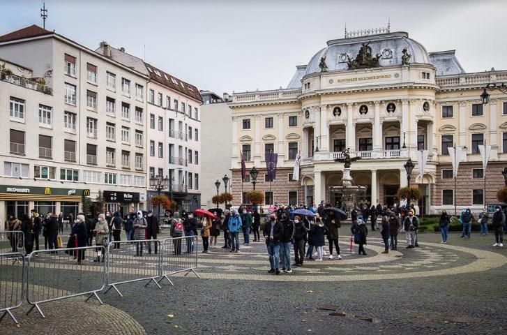 Дали вакво треба и кај нас: Словачка за еден ден бесплатно тестираше милион граѓани