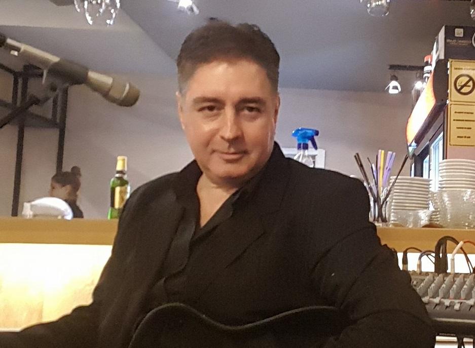 Преку ноќ му се влошила состојбата: Од корона почина гевгелискиот музичар Васил Ангов