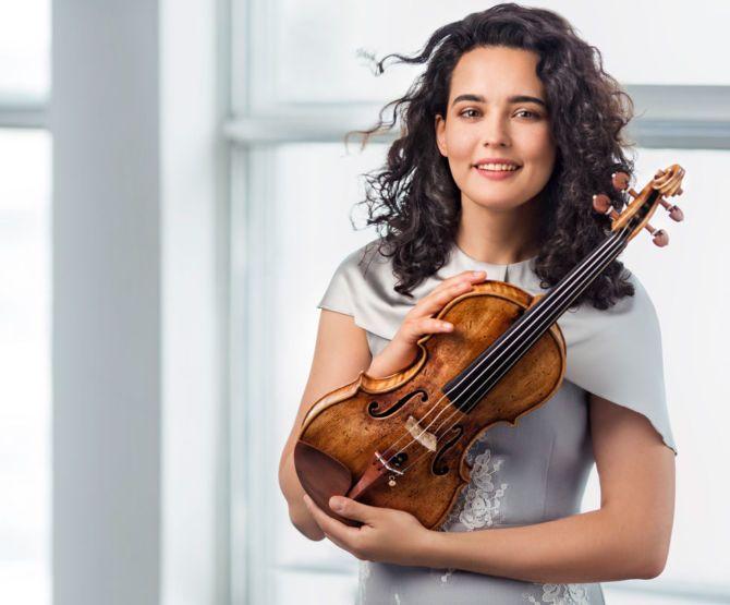 Виртуозната Алина Баева во четврток ќе настапи во Филхармонија