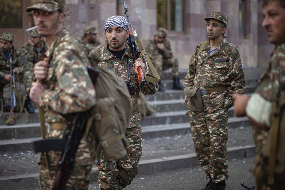 Ерменија загубила контакт со свои единици во Нагорно Карабах: Најави одгововр ако тие се заробени