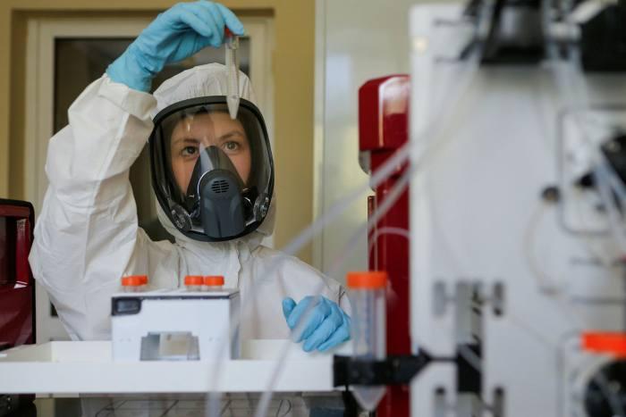 """Институтот Спутник V """"подготвен да му помогне"""" на Трамп да го победи Ковид-19"""
