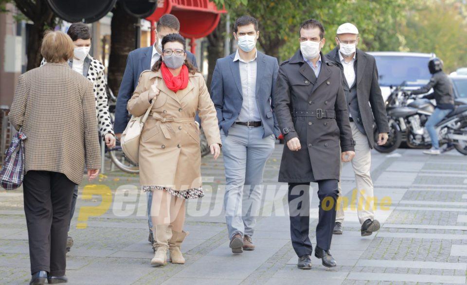 Караџовски: Најчесто се заразуваат луѓе од 20 до 40 години и тие го шират вирусот