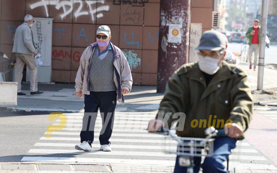 """""""Месецот не можеме да го поминеме"""": Пензионерите очајни, власта се фали за тие 3 евра плус на сметка!"""