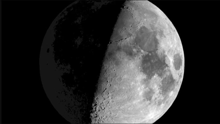 Астрономско откритие: По целата површина на Месечината има вода