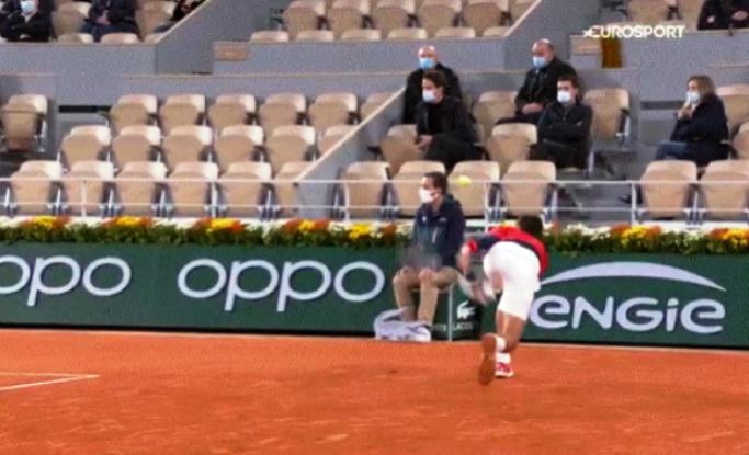 Ѓоковиќ повторно удри судија со топчето