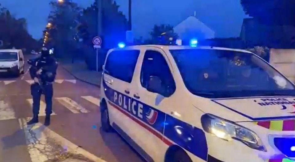Вознемирувачко видео од местото на нападот во Париз