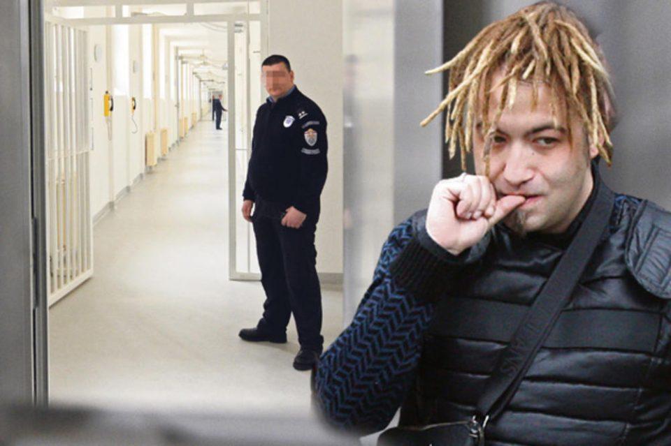 Раста внел дрога во затвор: Стражарите го претресле штом стигнал и му нашле кокаин