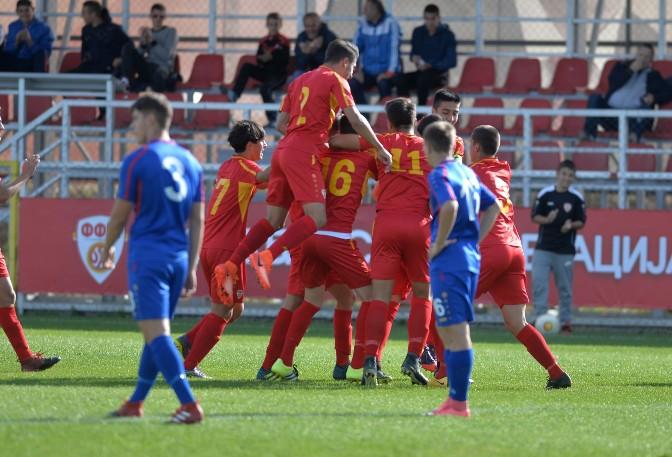 Македонските фудбалери до 17 години ремизираа против Србија