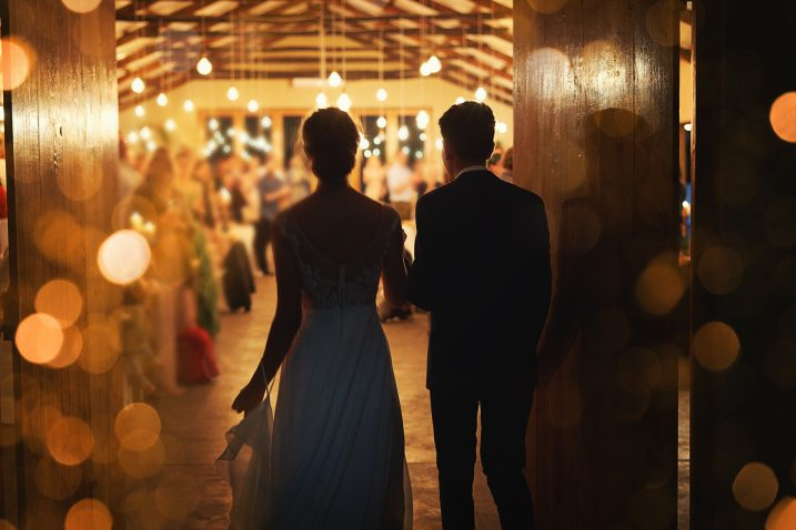 Полицијата вечерва растурила свадба од 300 гости во Глумово