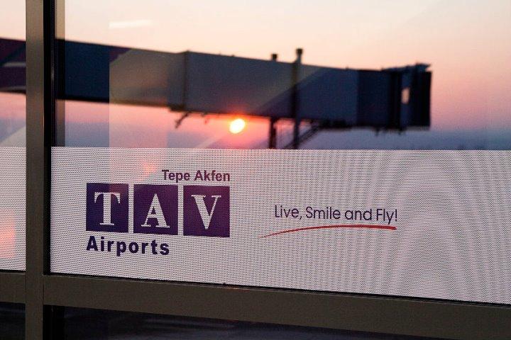 Владата го усвои анексот на повеќемилионскиот договор со ТАВ