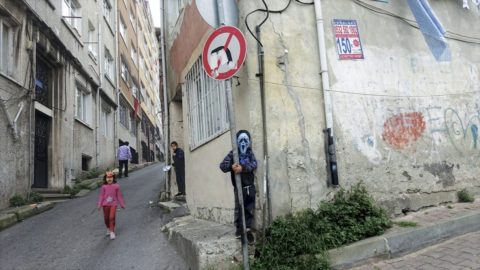 Вечерва во МСУ се отвора изложбата на уличнит фотогафии на Милчо Манчевски