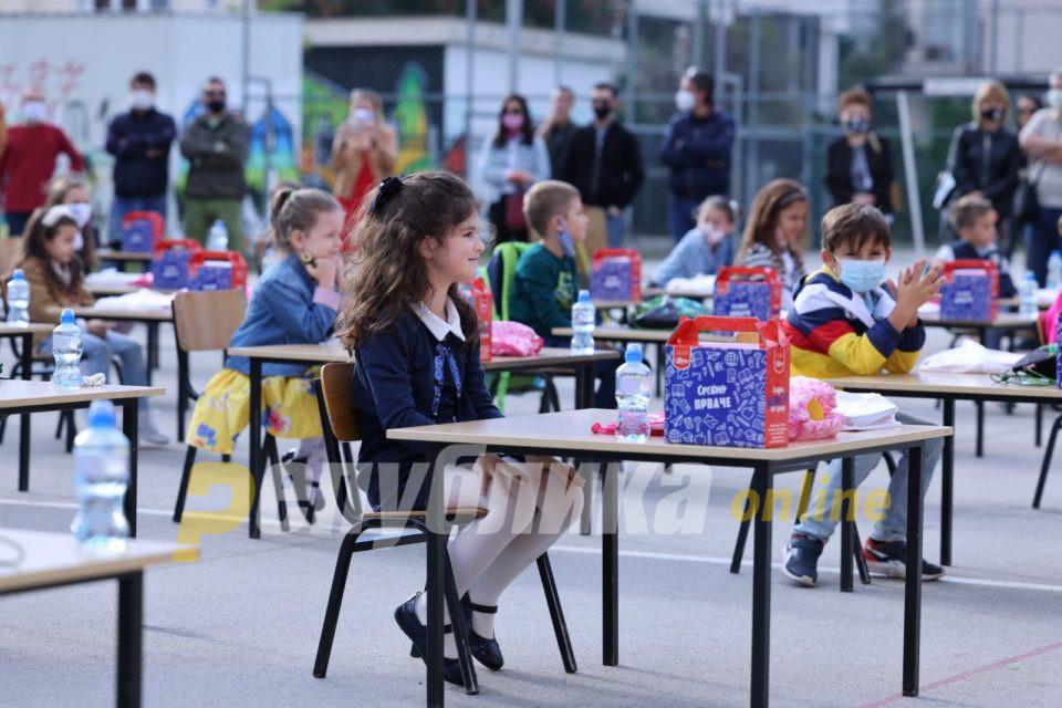 Д-р Беќаровски: Ајде сите наши 220.000 деца ученици да ги тестираме за антитела пред почетокот на учебната година