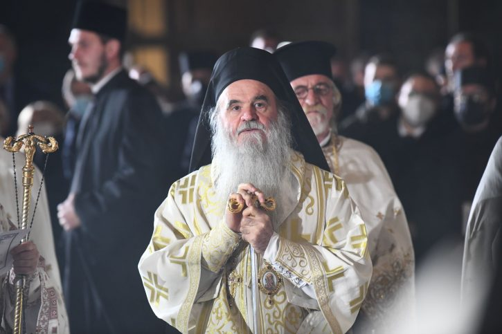 Српскиот епископ Давид кој служеше литургија за патријархот Иринеј хоспитализиран со ковид-19