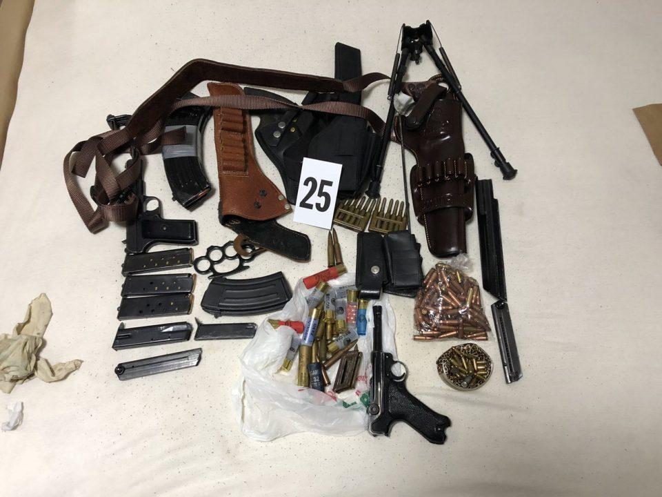 Цел арсенал оружје пронајден во Кичевско, приведени татко и син