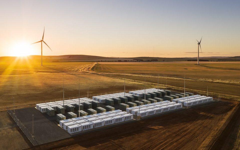 Компанијата Тесла во Австралија ќе го гради најголемиот систем од батерии во светот