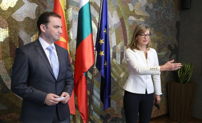 Ахмети: Стоиме рамо до рамо со нашите сожители Македонци за решавање на спорот со Бугарија