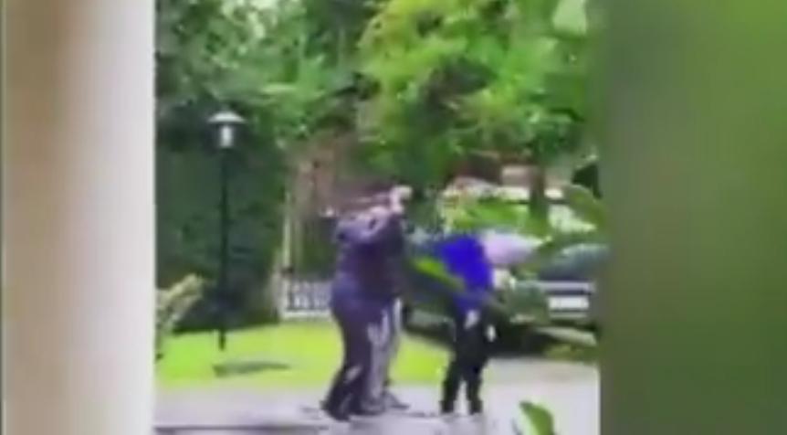 Последната прошетка на Марадона: Малото детенце никогаш нема да заборави дека Диего му мафна