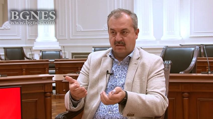 Димитров е поопасен од коронавирусот, вели бугарскиот новинар кој го интервјуираше Заев