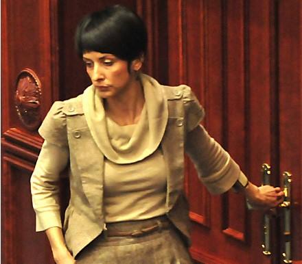Наташа Савова: Дали зад ставовите на премиерот стојат Извршниот и Централниот одобр на СДСМ?