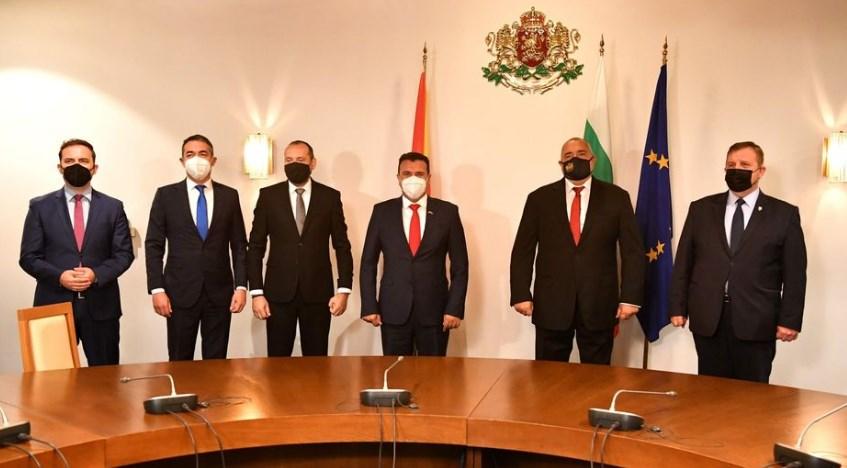 Мицкоски: Ги повикувам Заев, Османи и Димитров да го покажат бугарскиот документ со 12 точки