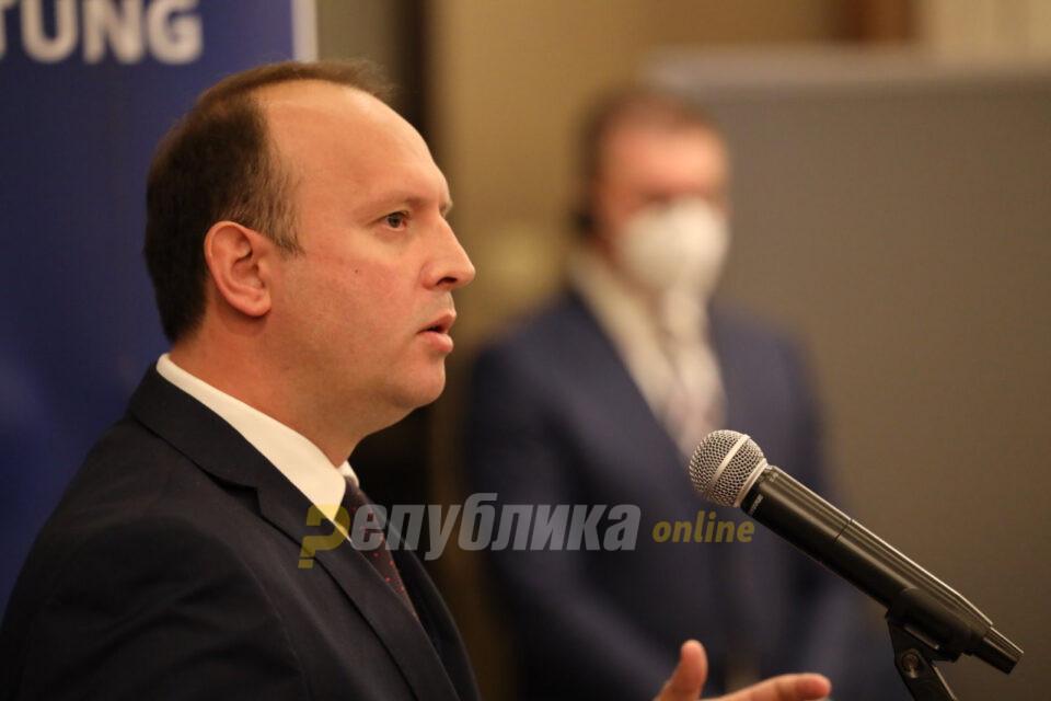 """Гаши: Очекувам резолуција и за албанскиот јазик, формулацијата """"20%"""" е понижувачка"""
