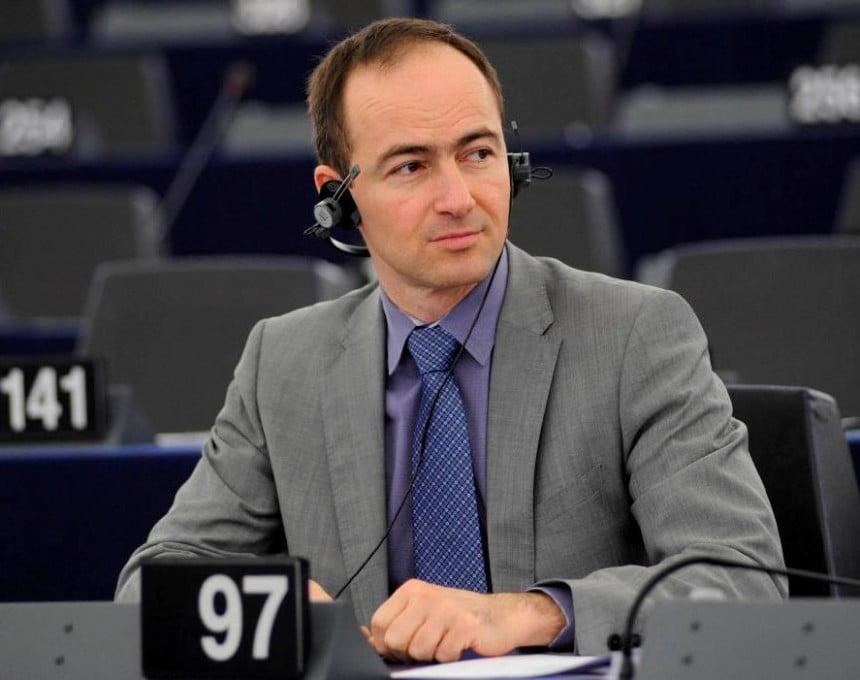 Ковачев по изјавата на Пендаровски: Нивото продолжува да ви паѓа