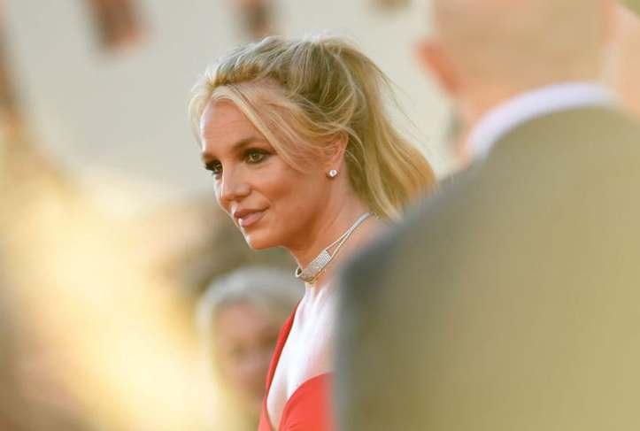 Бритни Спирс на суд бара отстранување на татко ѝ од посебниот надзор на нејзините финансии
