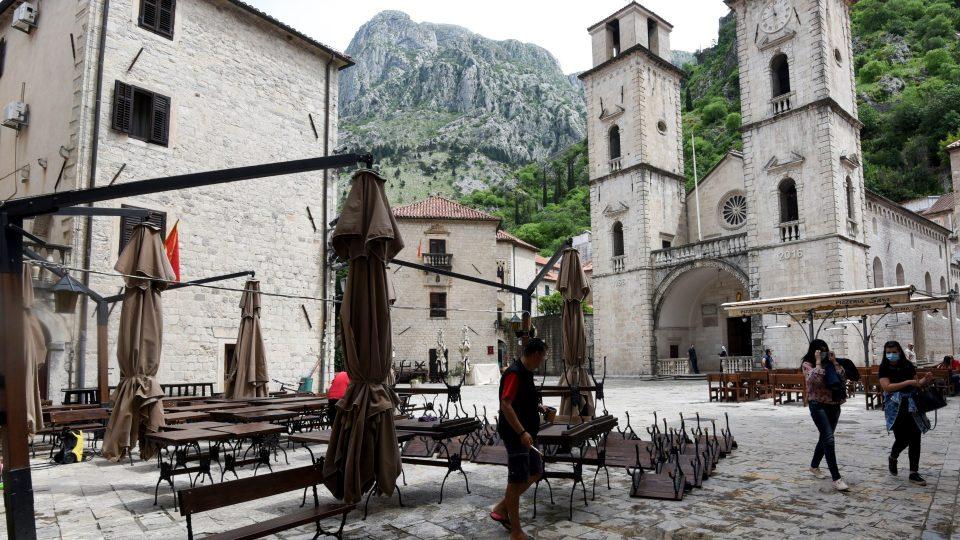 """Празнично """"изненадување"""" за граѓаните: Црна Гора планира построги мерки за Божиќ и Нова Година"""