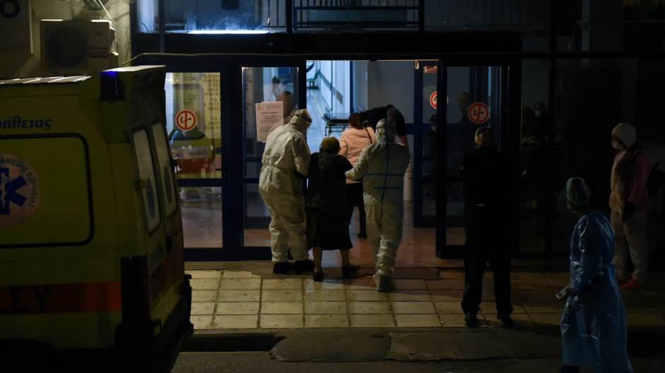За еден во Грција починаа 102 лица од корона