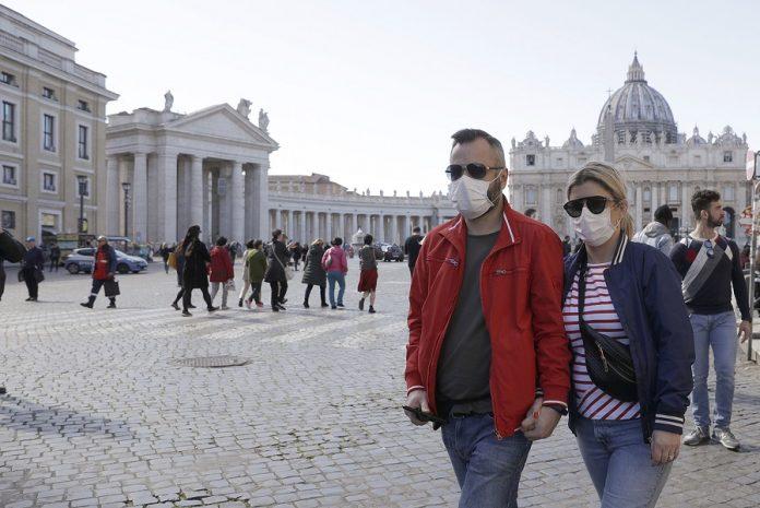 СЗО: Европа може да избегне карантин ако сите носат маски
