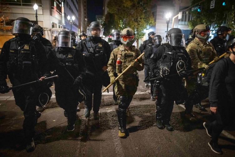 Американските власти предупредија на опасност од можен домашен тероризам