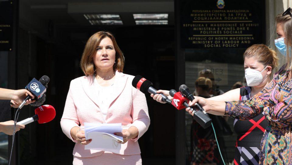 Шахпаска: Ќе има исклучоци, не за секого недела ќе биде неработен ден