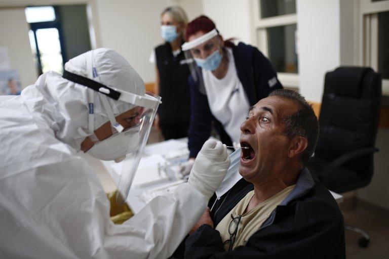 Повторно многу заболени: Нови 1.064 случаи на коронавирус, 25 лица починаа