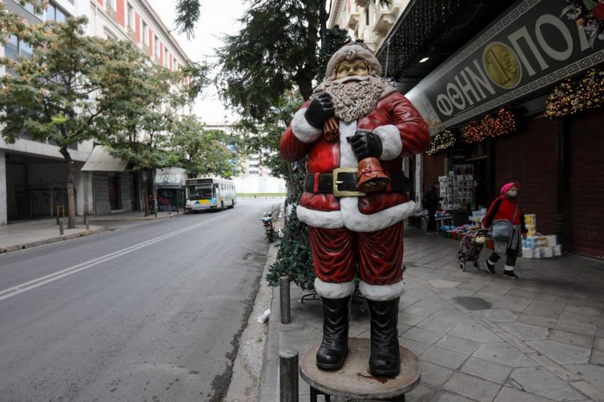 Под зајакнати безбедносни мерки и со полициски час новогодишната ноќ во Грција
