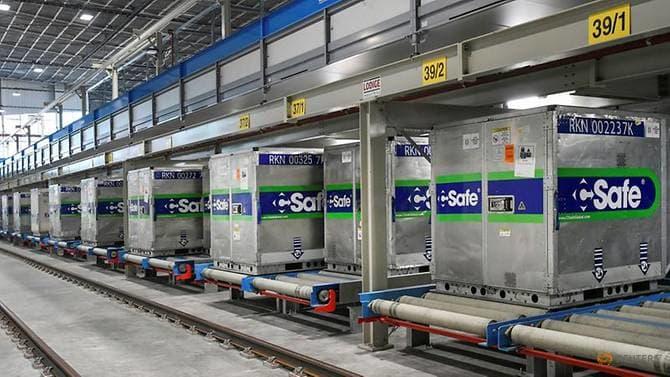Аеродромот во Амстердам подготвува ладилници за прием и транспорт на вакцините против Ковид-19