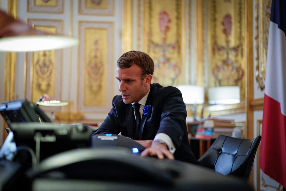 Стабилен рејтингот на Макрон денови пред одлуката за нови мерки против Ковид-19 во Франција