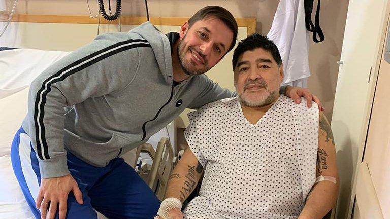 Aдвокатот на Марадона: Диего остана без надзор од лекарите, брзата помош возеше половина час