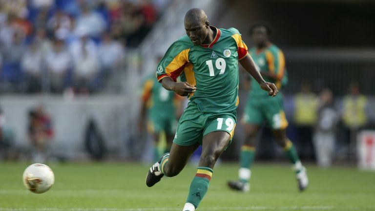 Болеста го победи: Почина легендарниот фудбалер на Сенегал