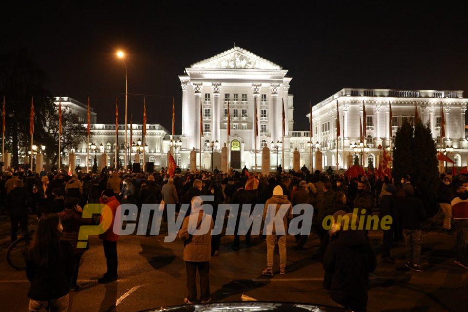 Мицкоски: Македонија ги издржала фашистите, ќе го победиме и ова зло!