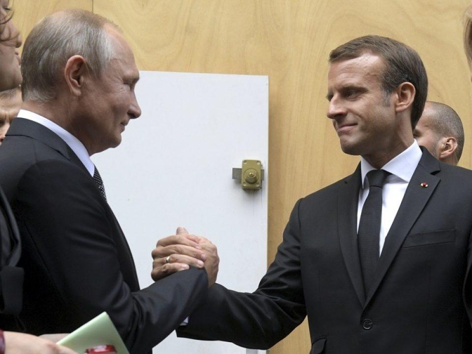 Путин и Макрон телефонски разговараа за Нагорно-Карабах