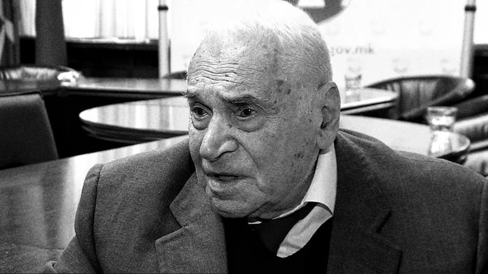 Откако ги навреди партизаните, Заев упати телеграма со сочувство за смртта на првоборецот Раде Гогов