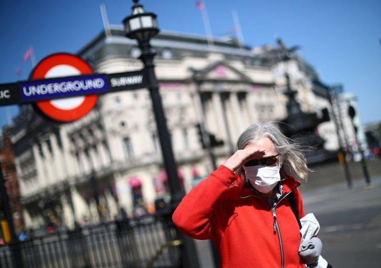Над 1.300 Британци добиле неточни резултати од тестовите за коронавирус