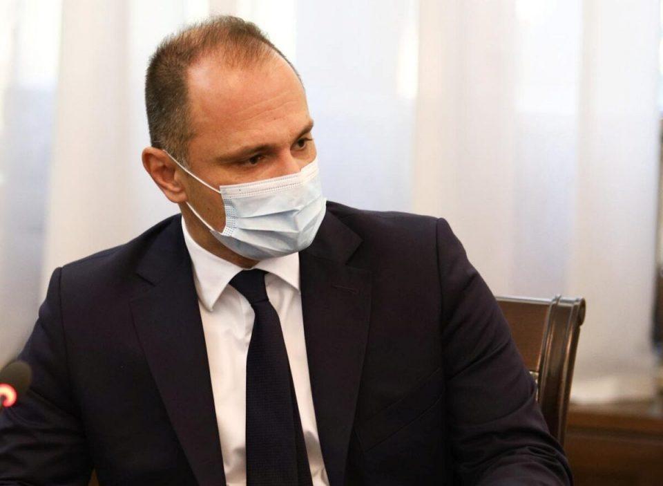 Филипче формираше комисија за надзор на стручната работа во болницата во Струга