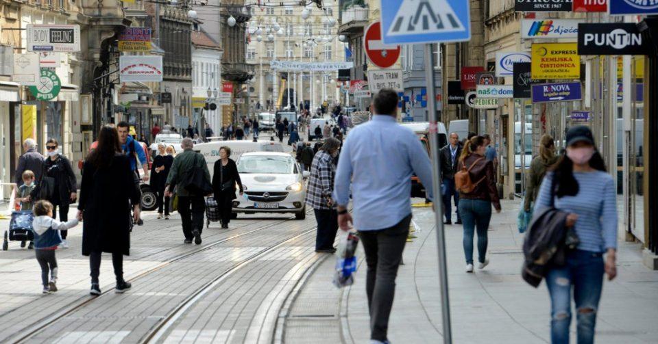 Ограничување на погреби и церемонии, затворање на клубовите и казината: Хрватска ги заострува мерките