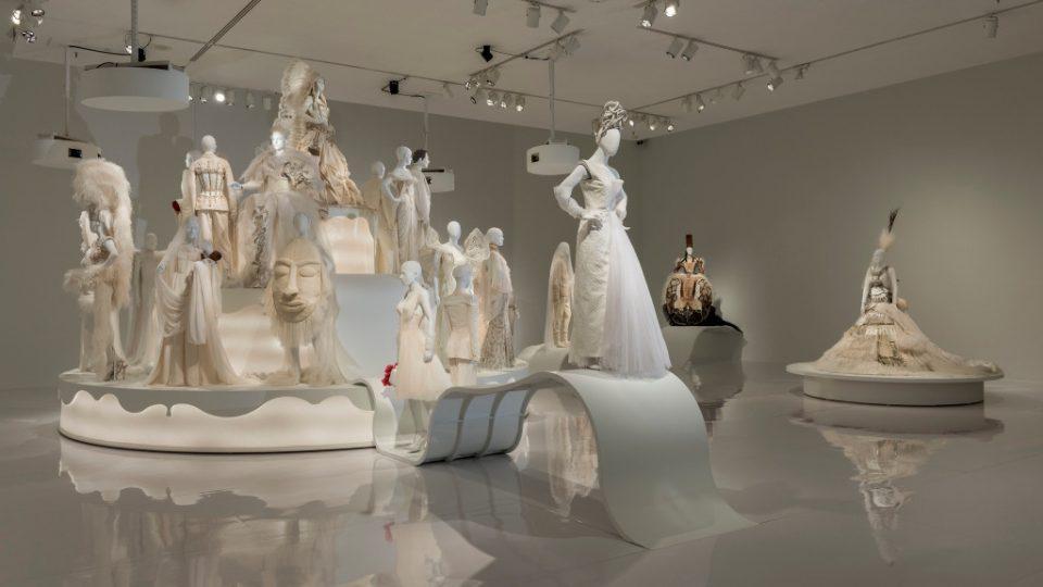 Жан Пол Готје гостува во Белград со изложба на венчаници од висока мода