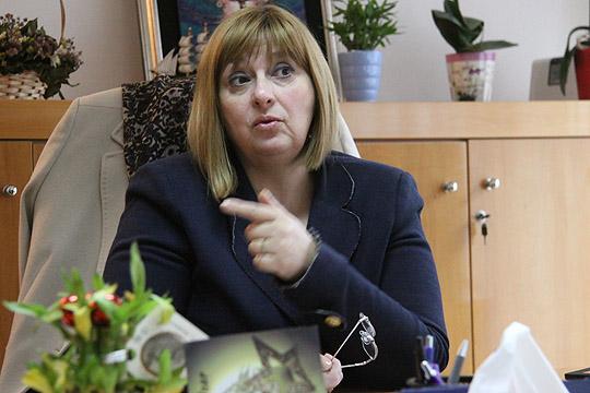 Доктор Гривчева Старделова две години ги крши прaвните норми, а сите надлежни молчат