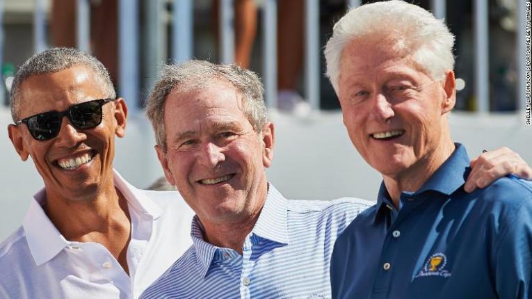 Обама, Буш и Клинтон јавно ќе примат вакцина против корона за да докажат дека е безбедна