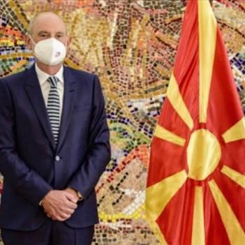 ЕУ бара да продолжиме со дијалогот со Грција